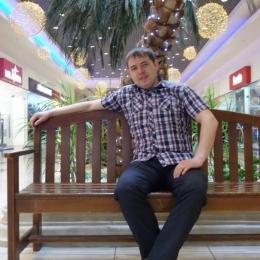 Двадцатилетний парень ищет девушку или женщину для секса без обязательств, в Бийске.