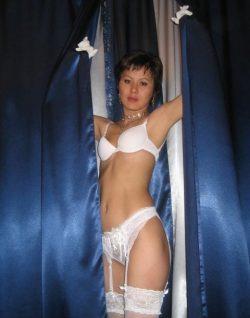 Восточная девушка, приглашу мужчину для интима